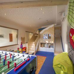 Hotel_Alpina_Ried_Landstrasse_19_Spielezimmer_1